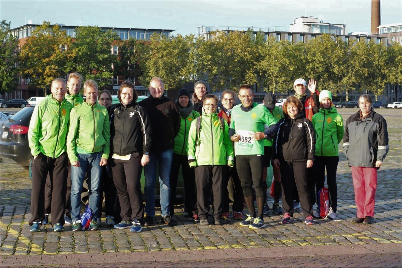 Der Lauftreff Ochtersum und Blomberger Geisterläufer  nahmen am 15. Swb Bremen – Marathon teil.
